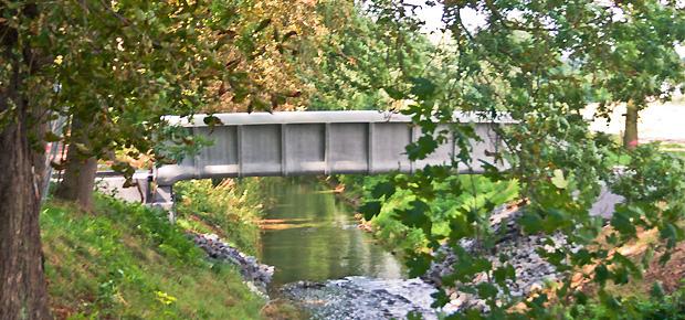 Brücke aus Textilbeton in Oschatz, Sachsen. Quelle: Wikimedia / Nutzer: Stipriaan unter der Lizenz CC BY-SA 3.0
